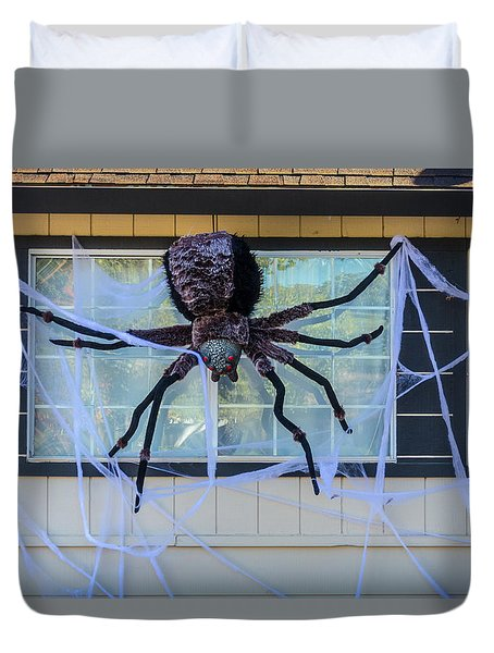 Large Scary Spider  Duvet Cover by Garry Gay