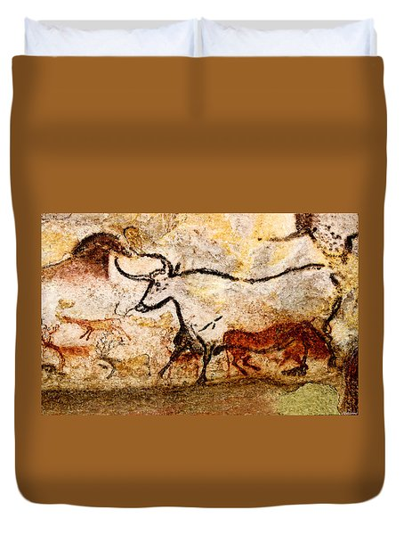 Lascaux Hall Of The Bulls - Aurochs Duvet Cover