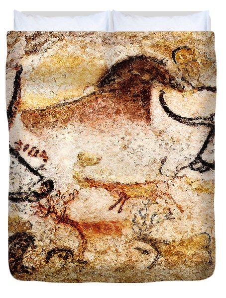 Lascaux Hall Of The Bulls - Deer Under Horse Duvet Cover