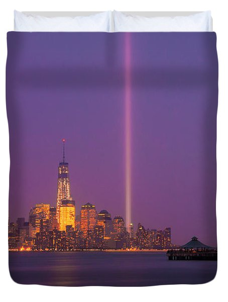 Laser Twin Towers In New York City Duvet Cover