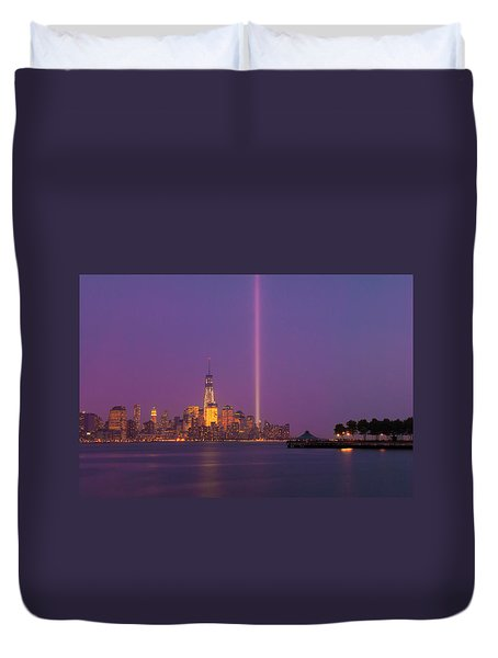 Duvet Cover featuring the photograph Laser Twin Towers In New York City by Ranjay Mitra