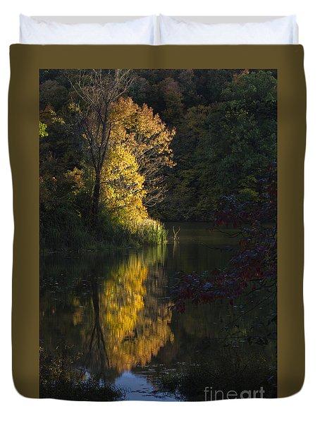 Duvet Cover featuring the photograph Last Light - D009910 by Daniel Dempster