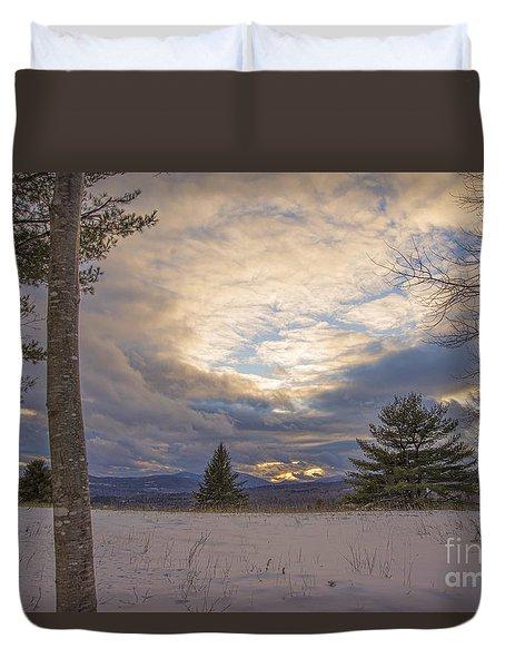 Last Sunset Of 2015 Duvet Cover