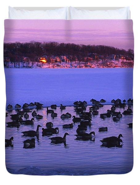 Last To Leave - Lake Geneva Wisconsin Duvet Cover