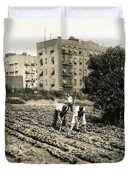 Last Working Farm In Manhattan Duvet Cover