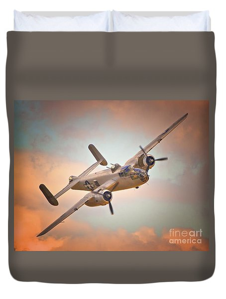 Late Return,north American B-25 Mitchell  Duvet Cover