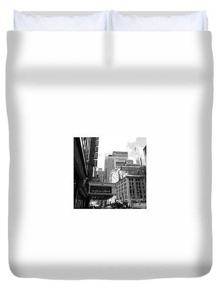 Late Show Nyc Duvet Cover