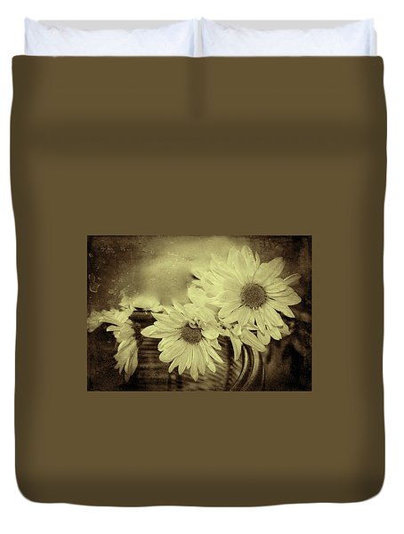 Duvet Cover featuring the digital art Lazy Daisy by Bonnie Willis