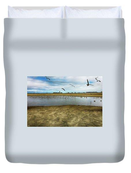 Lb Seagull Pond Duvet Cover by Joseph Hollingsworth