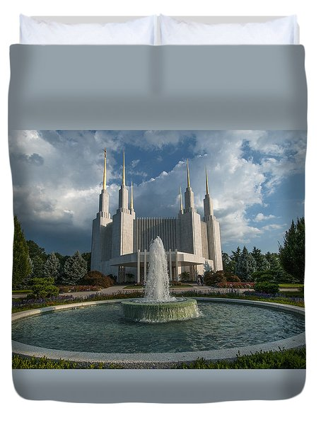 Lds Water Fountain  Duvet Cover