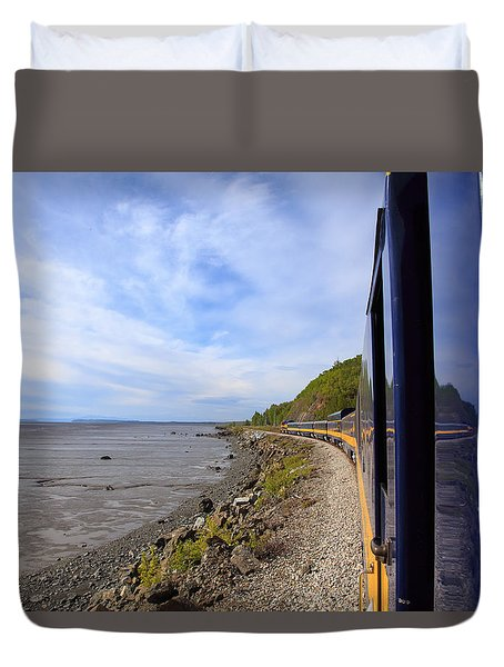 Leaning Out Between The Cars Duvet Cover by Allan Levin