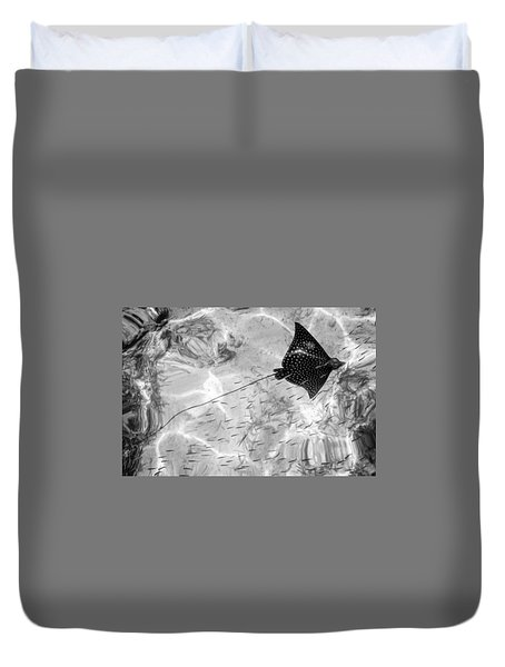 Leopard Ray In Belize Duvet Cover