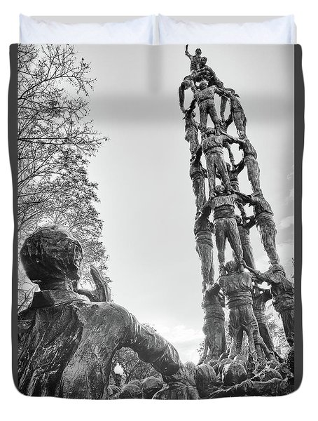 Duvet Cover featuring the photograph Les Castellers Monument In Tarragona by Eduardo Jose Accorinti