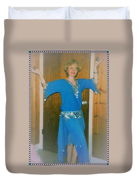 Duvet Cover featuring the photograph Let Me Entertain You by Denise Fulmer