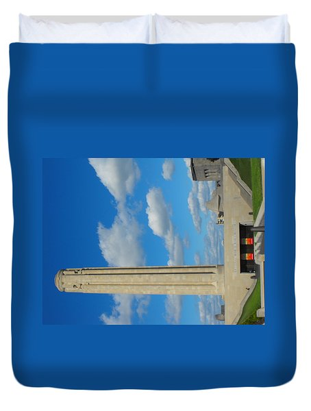 Liberty Memorial On A Perfect Day Duvet Cover
