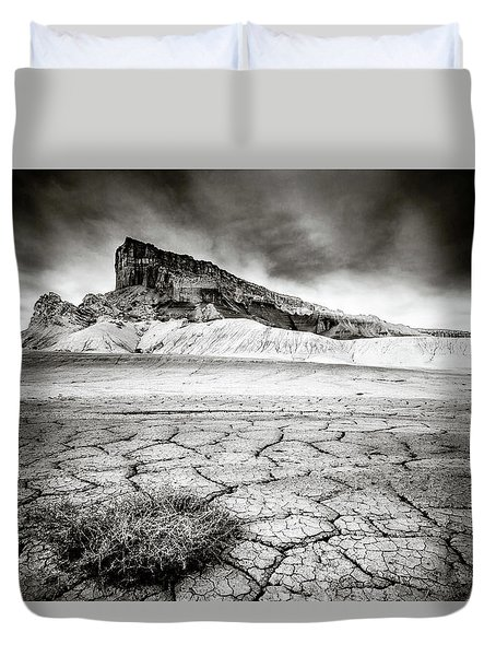 Life, Cracks, And Crag Duvet Cover