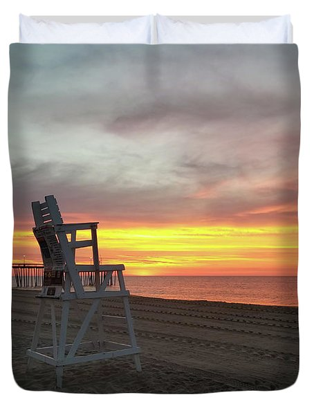 Lifeguard Stand On The Beach At Sunrise Duvet Cover