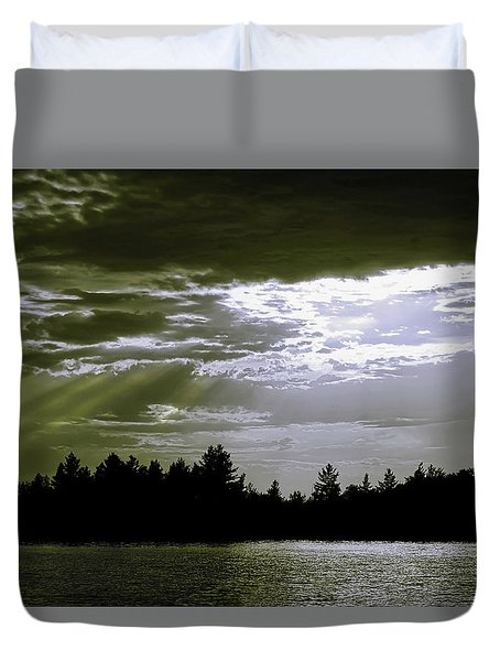 Light Blast In Evening Duvet Cover