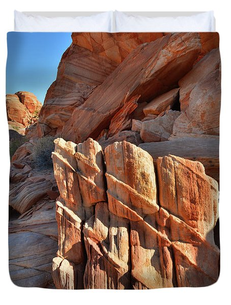 Light Creeps In At Valley Of Fire State Park Duvet Cover