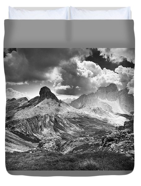 Light On The Valley Duvet Cover by Yuri Santin