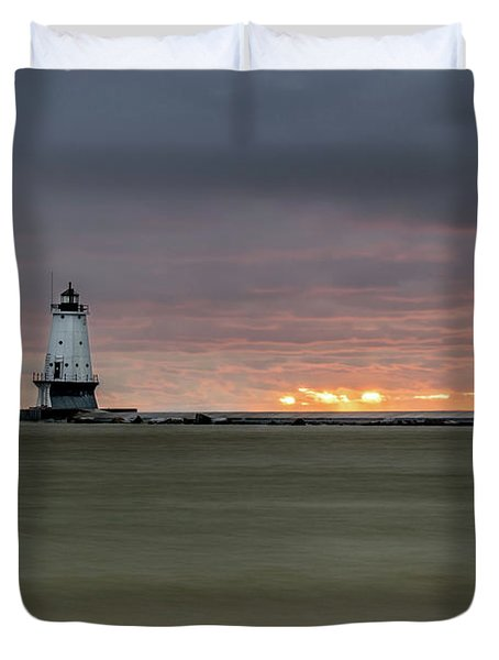 Lighthouse And Sunset Duvet Cover