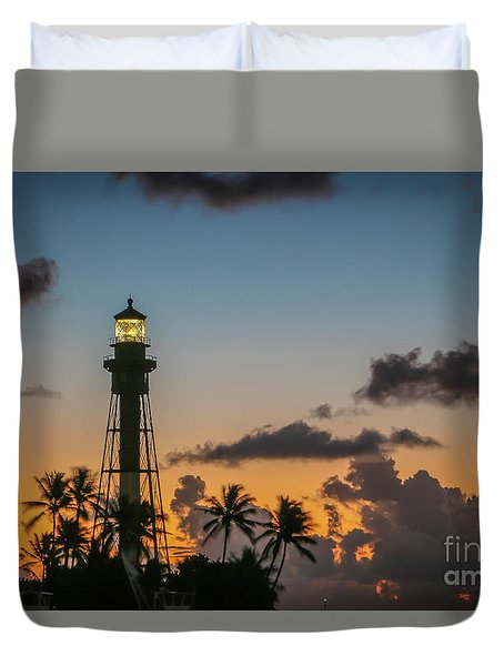 Duvet Cover featuring the photograph Lighthouse At Dawn #1 by Tom Claud