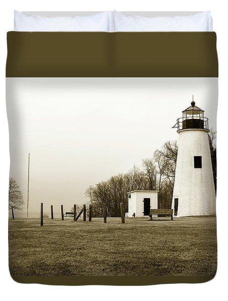 Lighthouse At Turkey Point Duvet Cover
