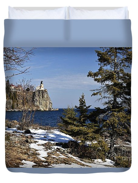 Duvet Cover featuring the photograph Lighthouse Framed by Larry Ricker