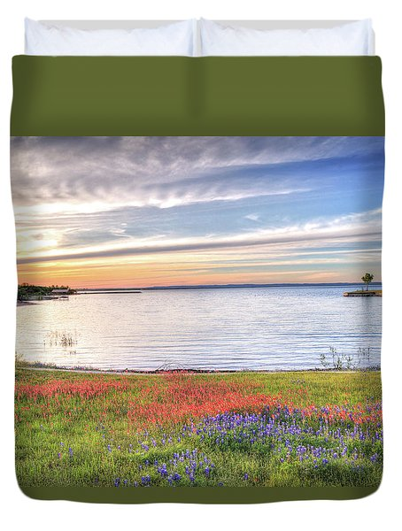 Lighthouse Sunset At Lake Buchanan Duvet Cover