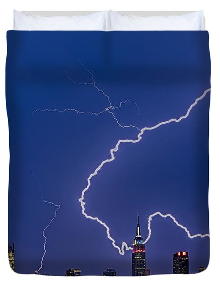 Lightning Bolts Over New York City Duvet Cover by Susan Candelario