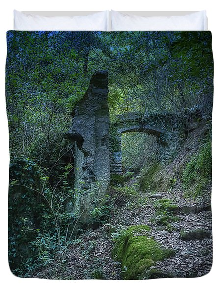 Ligurian Jungle Covering Up Old Mill Valley Entrance Arch Ruins Duvet Cover
