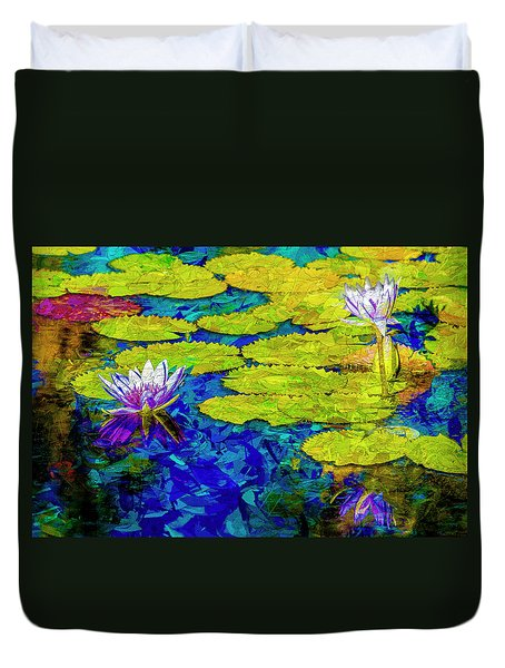 Duvet Cover featuring the photograph Lilly by Paul Wear