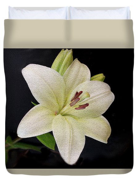 Duvet Cover featuring the photograph Lily by Bonnie Willis