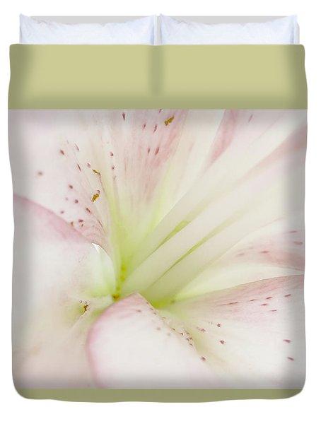 Lily Centered Duvet Cover