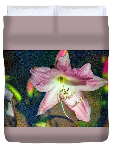 Lily In The Parque Duvet Cover