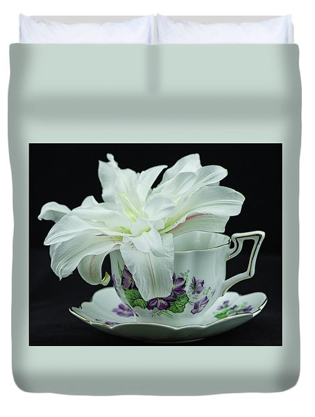 Lily With Teacup Duvet Cover