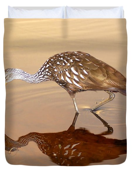 Limpkin In The Mirror Duvet Cover by David Lee Thompson