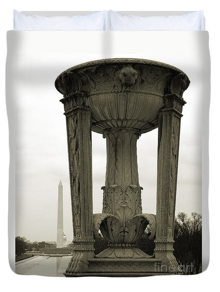Duvet Cover featuring the photograph Lincoln To Washington by Angela DeFrias