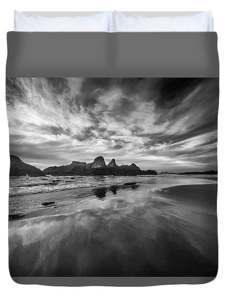 Lines In The Sand At Seal Rock Duvet Cover