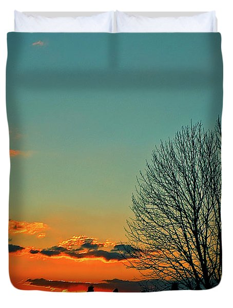 Duvet Cover featuring the photograph Linvilla Sunset by Sandy Moulder