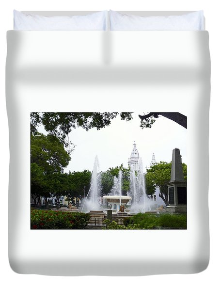 Lions Fountain Wide Duvet Cover