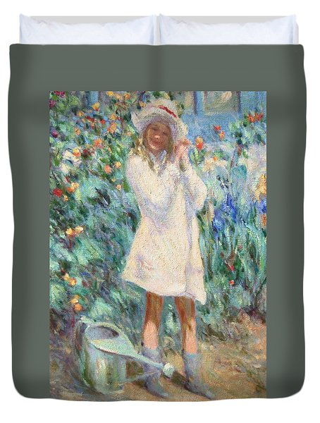 Little Girl With Roses / Detail Duvet Cover