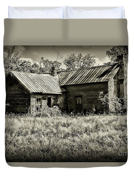 Little Red Farmhouse In Black And White Duvet Cover by Paul Ward