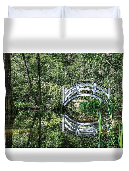 Little White Bridge At Magnolia Plantation And Gardens Duvet Cover