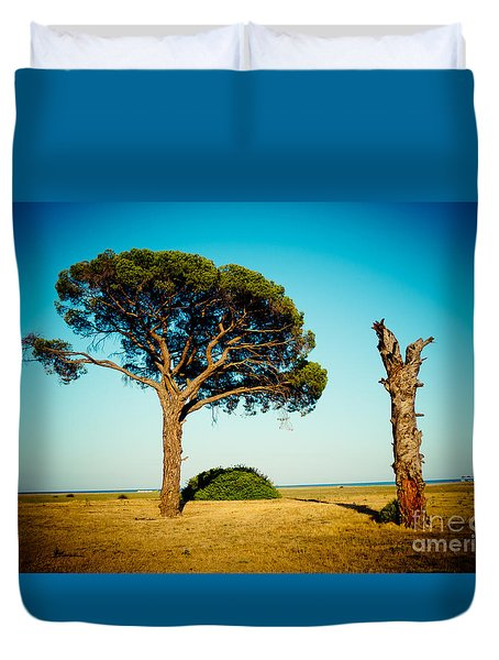 Live And Dead Tree At Seacoast Duvet Cover