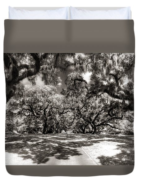 Live Oak Allee Infrared Duvet Cover