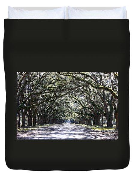 Live Oak Lane In Savannah Duvet Cover