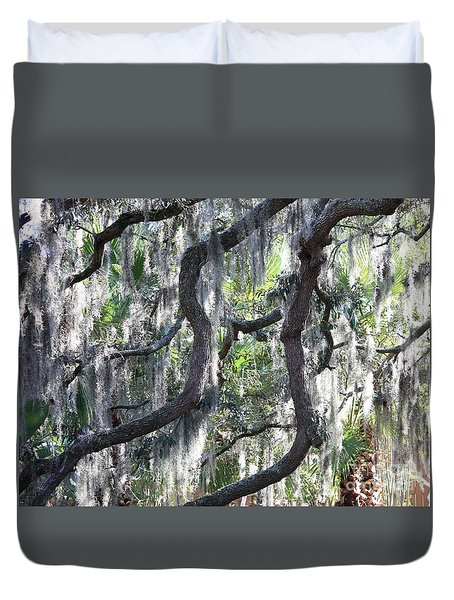 Live Oak With Spanish Moss And Palms Duvet Cover by Carol Groenen