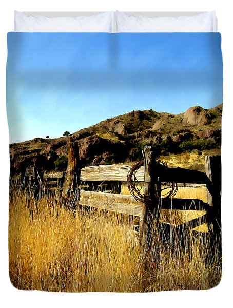 Livery Fence At Dripping Springs Duvet Cover by Kurt Van Wagner