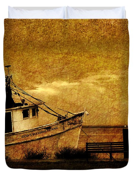 Duvet Cover featuring the photograph Living In The Past by Susanne Van Hulst